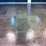 Encerado de pavimento en oficina de Estación Delicias